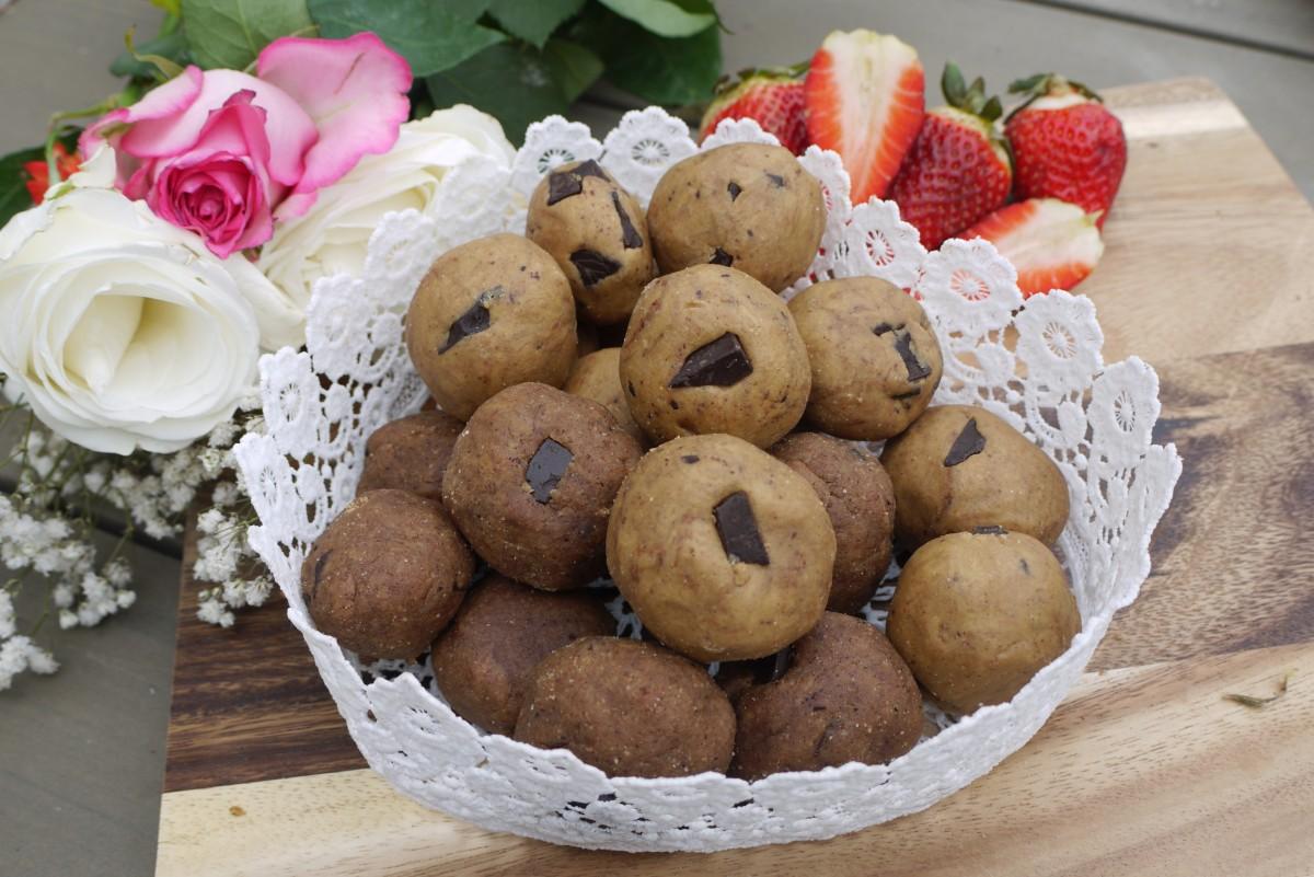 Chocolate-Chip Cookie Dough Protein AmazeBalls
