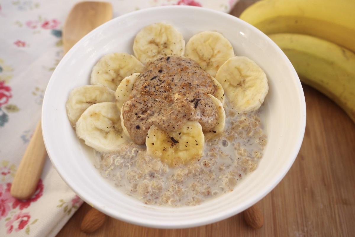 Chai-Spiced Vanilla Quinoa Porridge