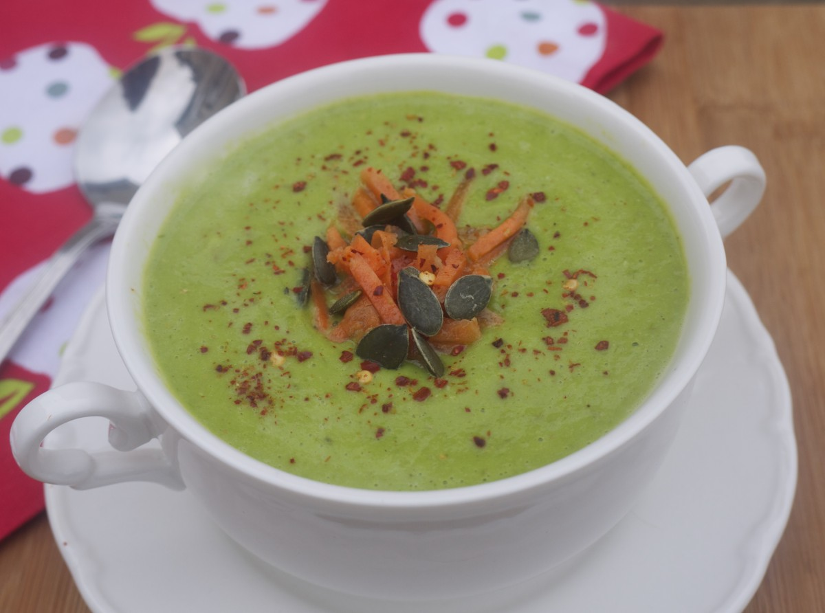 Creamy Pea and Roast Asparagus Soup