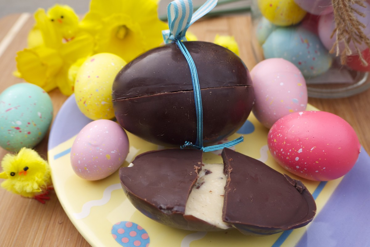 Vanilla-Maple Cream Easter Eggs