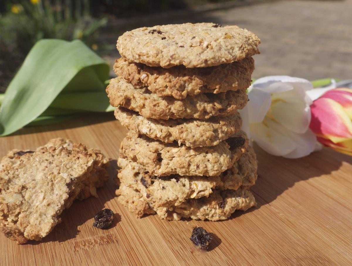 Hazelnut and Raisin Cookies