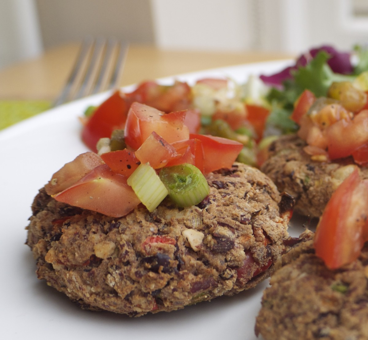 kidney bean and walnut burgers