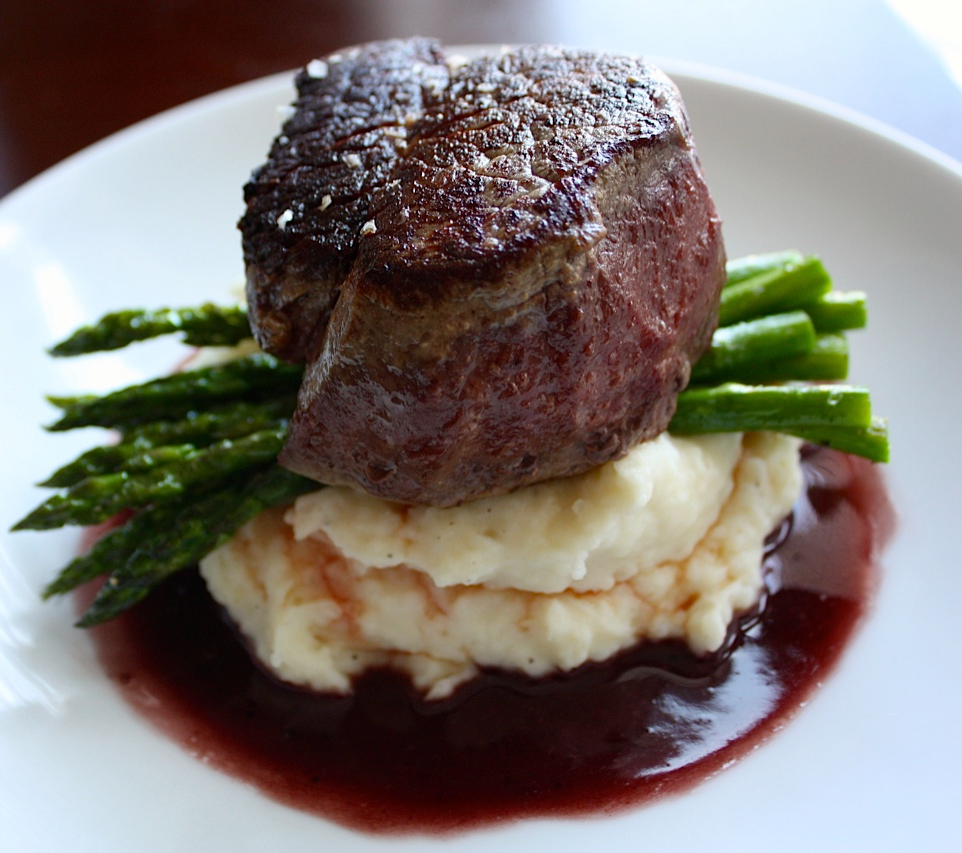 Filet of Beef with Red Wine Sauce + Garlic Mash + Roasted Asparagus2