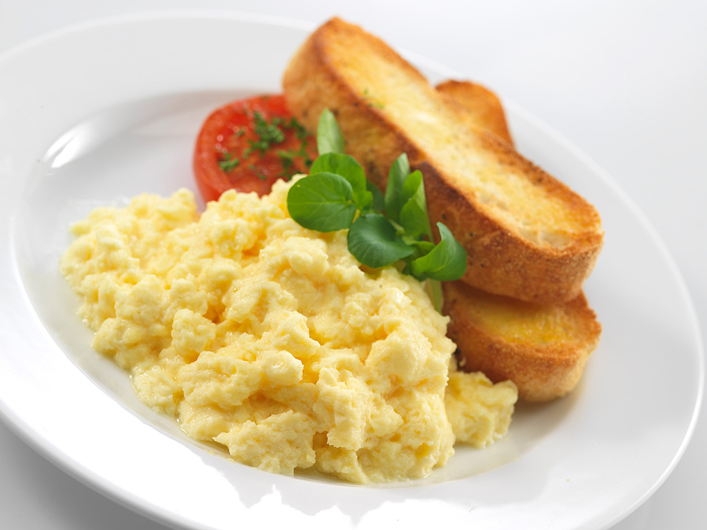 ScrambledEggs-with-Toast