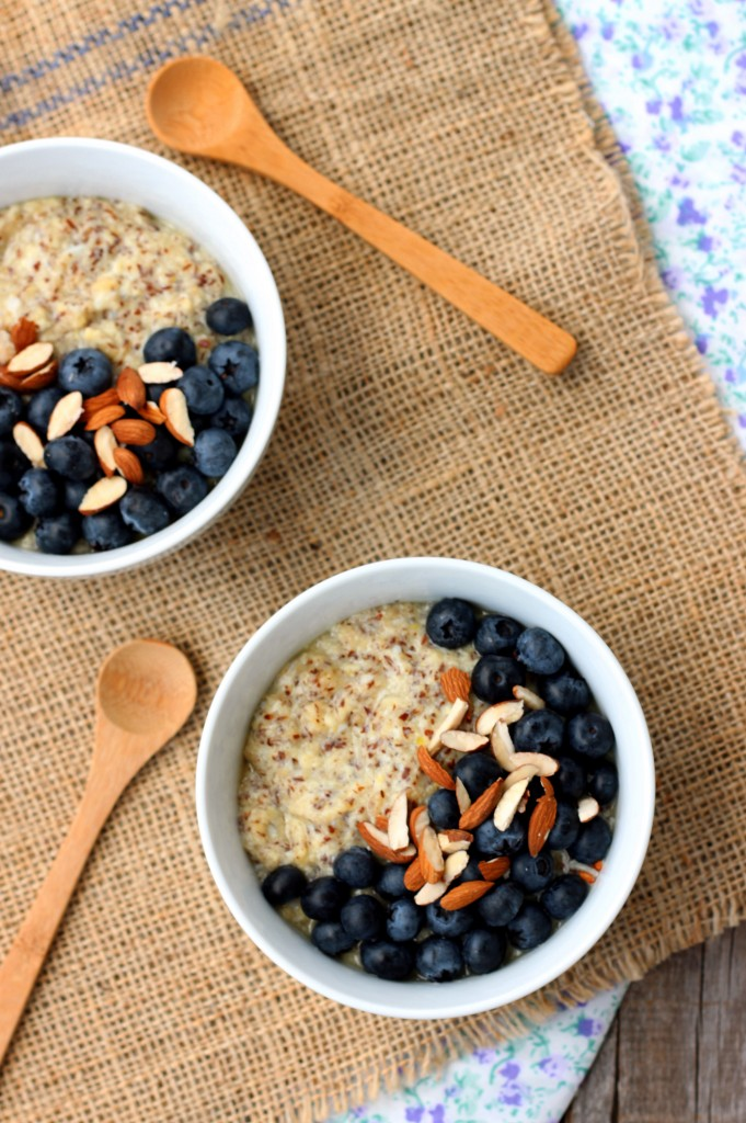 Blueberry-Almond-Flaxseed-Porridge1-e1424382689611