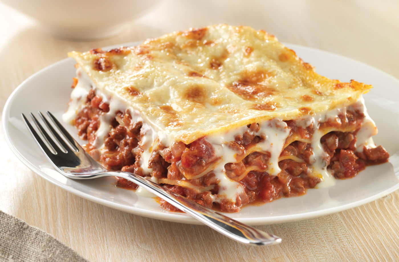 Simple-Lasagne-LGH-mini-05c6a22f-e7aa-4f6b-a174-b95b7d020a64-0-1400x919
