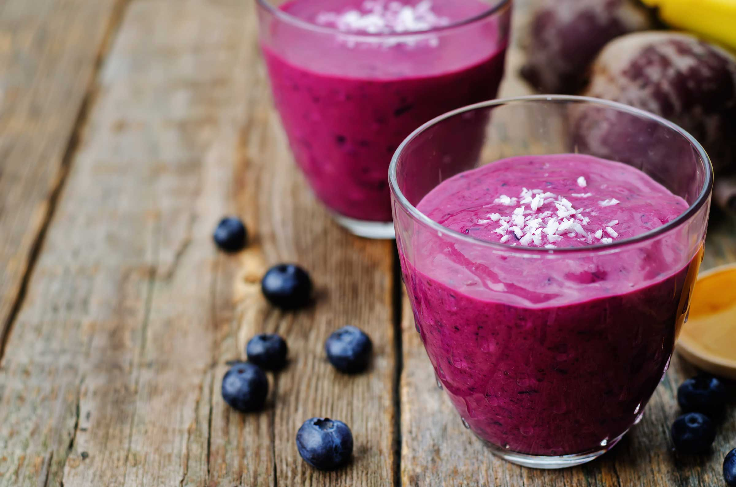 05-fruit-smoothies-blueberry-flaxseed