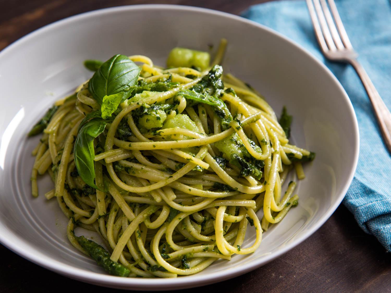 20160209-finishing-pasta-pesto-vicky-wasik-7-2