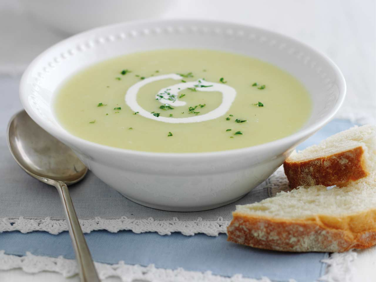 leek-potato-soup-mary-berry