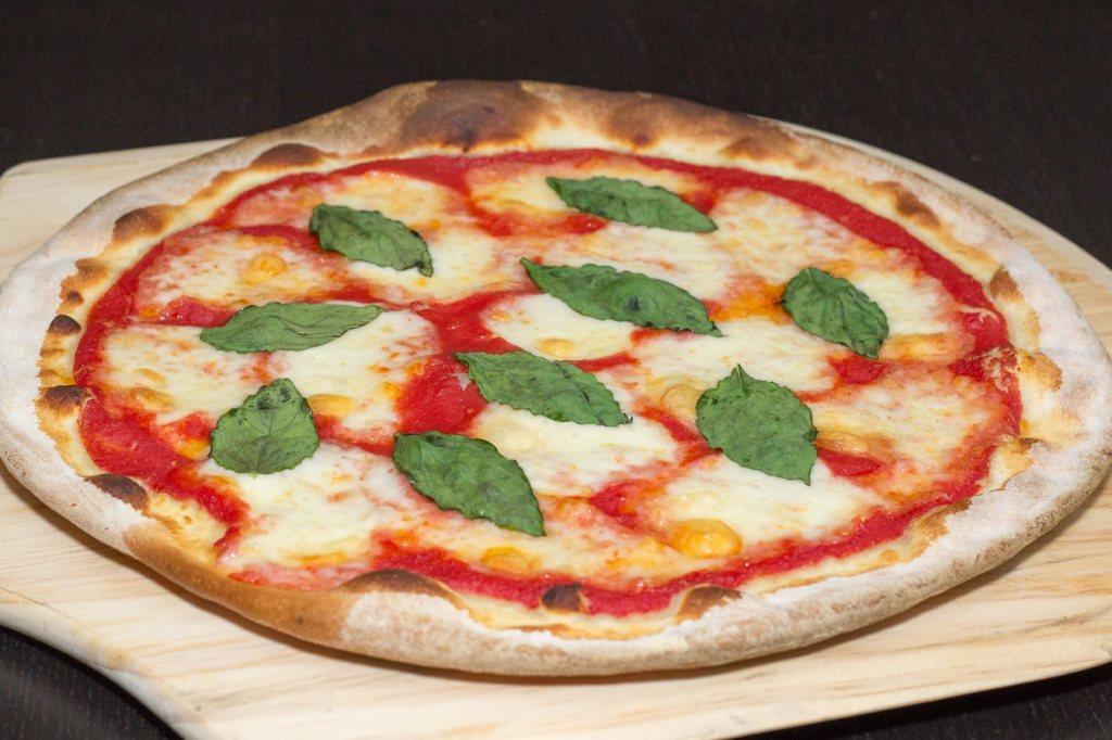 niseko-italian-pizza-1024x682