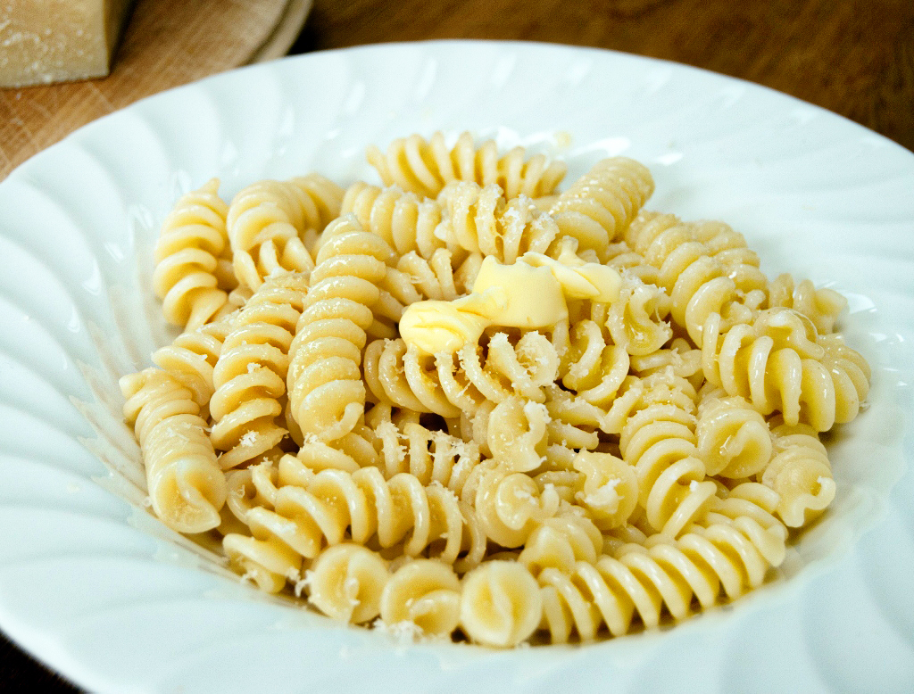 Pasta-with-butter-and-parmesan-1-of-3-1024x778A