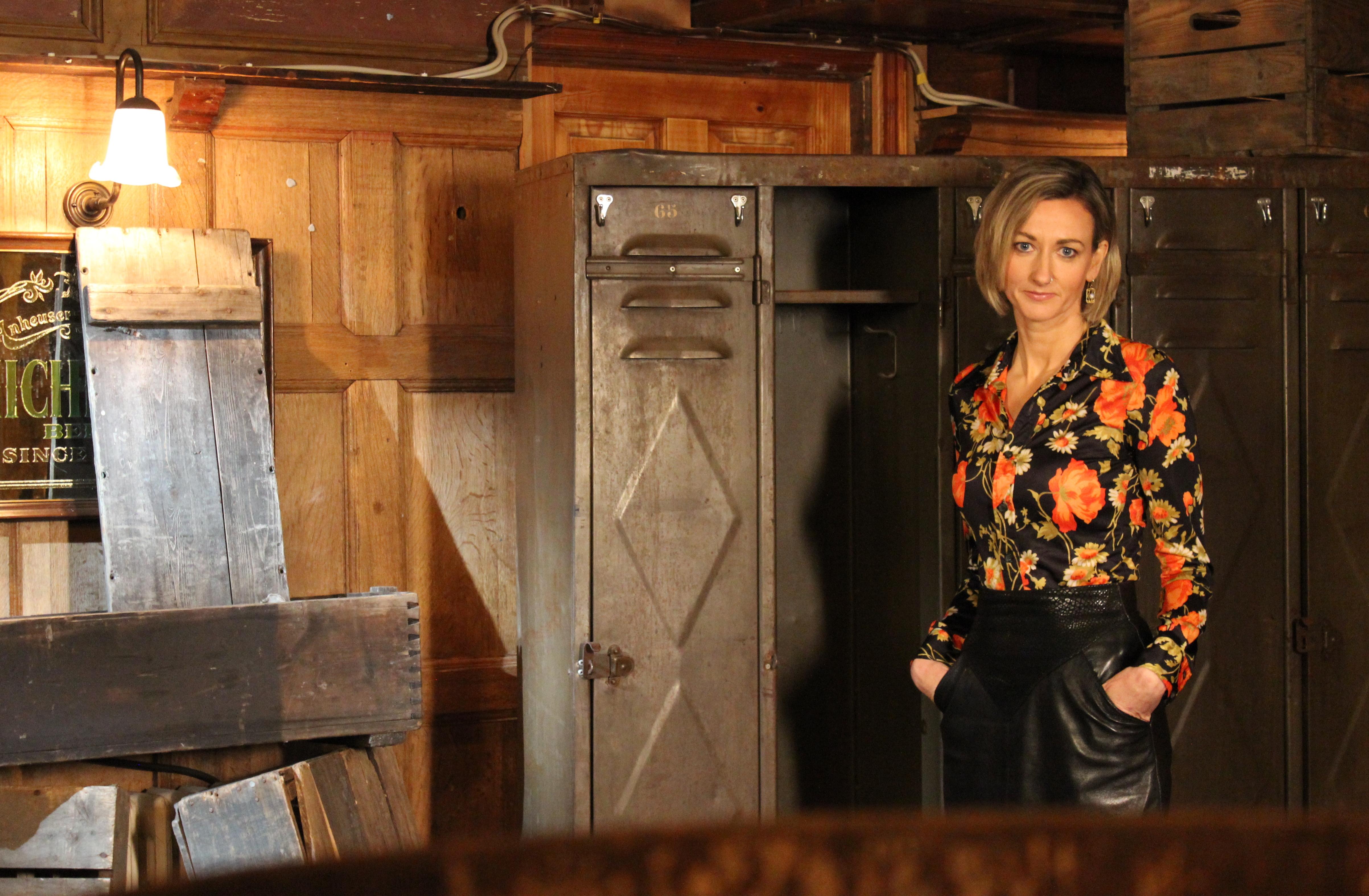 Niamh Hogan - Holos